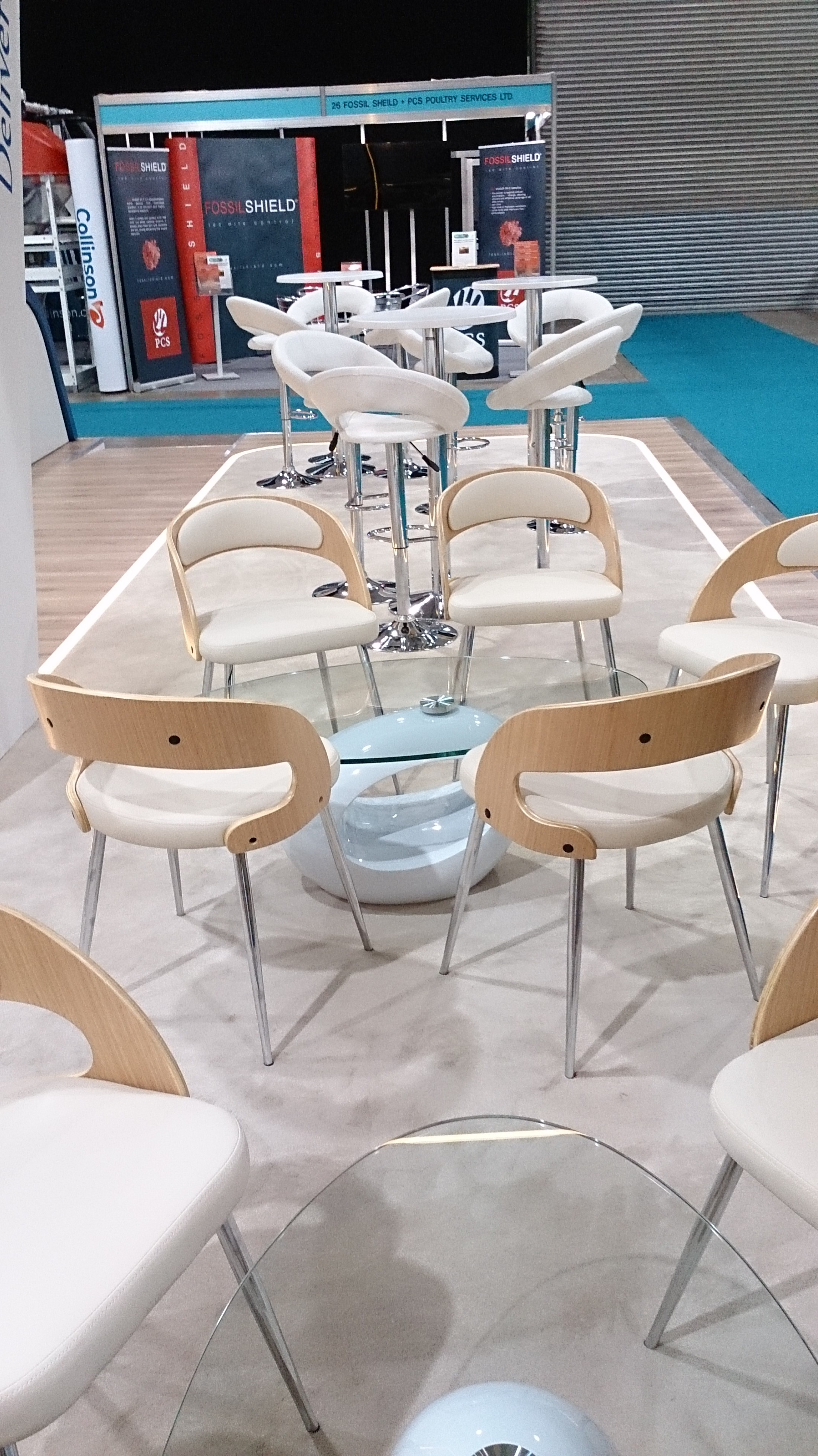 Exhibitions-stand-table&chairs