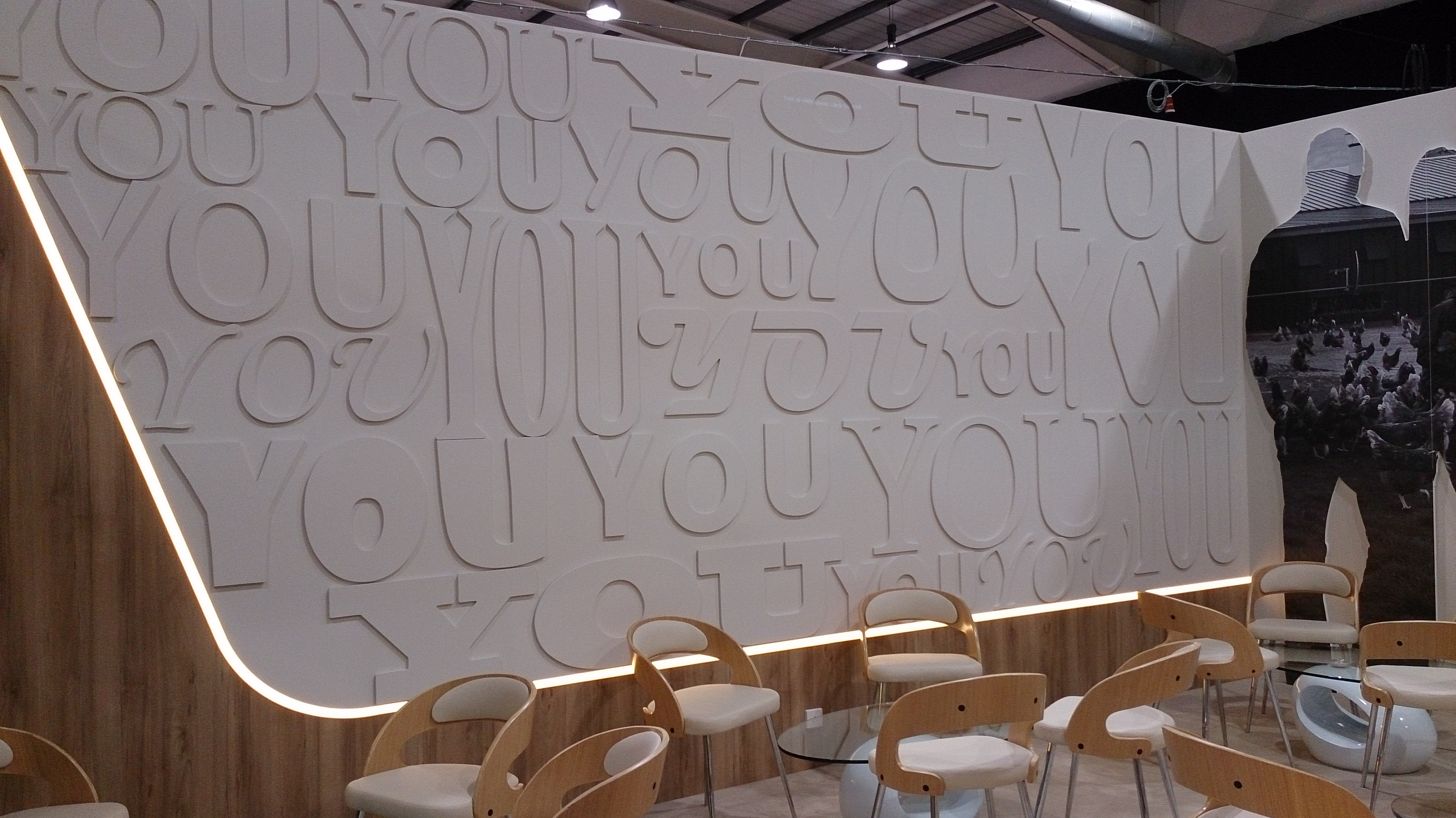 Exhibitions-stand-feature-wall