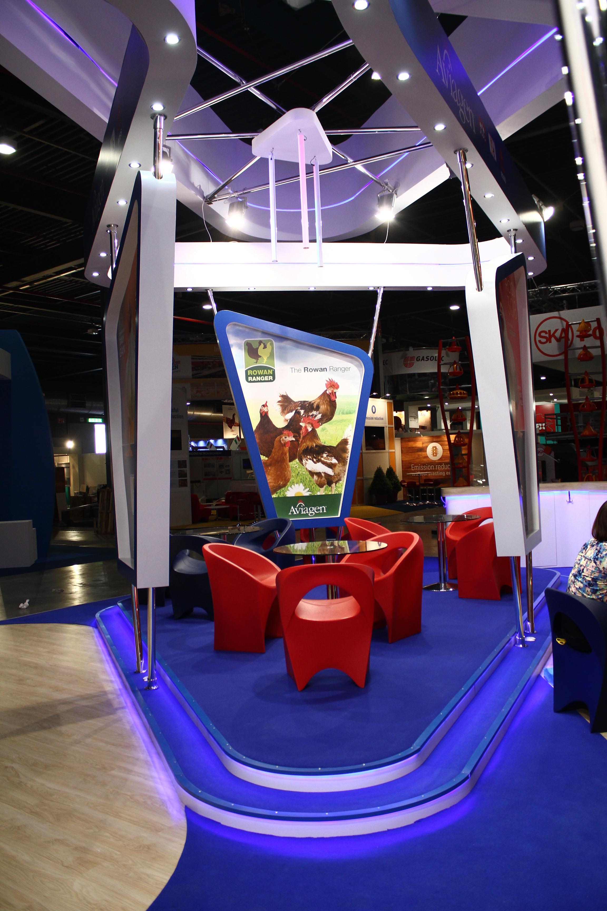Aviagen-exhibition-stand-seating-platform