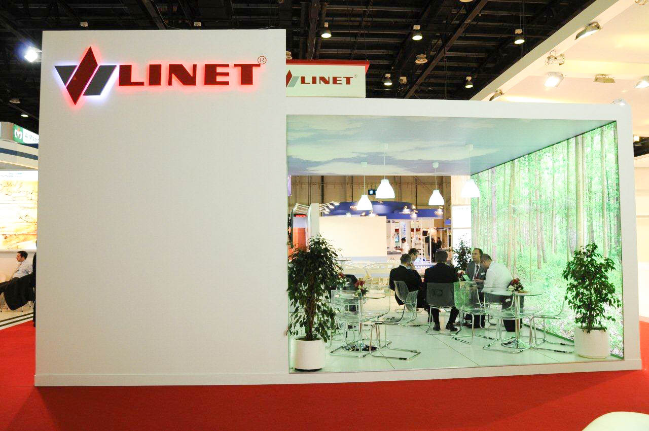 """Side view of meeting area on Linet stand"""
